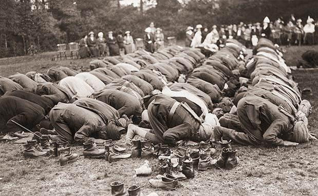 1re guerre mondiale1914 1918 soldats musulmans priant avant la bataille de la somme
